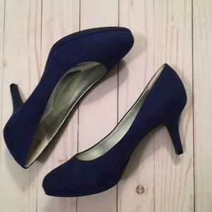 Kelly and Katie blue suede heels size 8